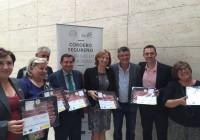 La consejera y la Asociación de Criadores de Ovino Segureño tratan la reutilización de excedentes de frutos para alimentación animal