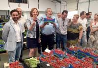 Ortiz valora el alto porcentaje de empleo femenino de la cooperativa Las Virtudes de Conil
