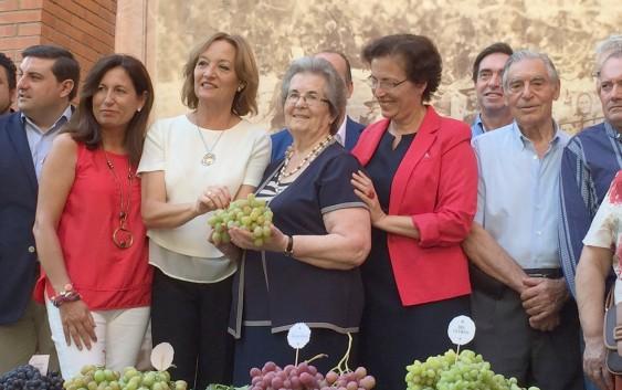 La Consejera preside el Homenaje a los Parraleros organizado por Ecologista Mediterráneo, Museo de la Uva del Barco de Terque y Cajamar