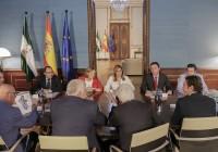 Susana Díaz se reúne con las organizaciones y cooperativas agrarias para analizar el anteproyecto de Ley de Agricultura