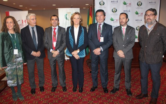 La consejera de Agricultura, Carmen Ortiz, inaugura en Sevilla el 14º Symposium de Sanidad Vegetal