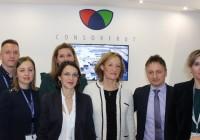 Carmen Ortiz se reúne en Fruit Logistica con representantes de 'Consorfrut Polska' y visita los estands andaluces con una delegación de la embajada española en Alemania