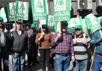 ASAJA Jaén pide en la puerta de la Delegación de Agricultura que no se cierre el laboratorio de sanidad animal de Jaén