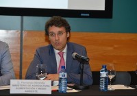 Fernando Miranda analiza con entidades representativas del sector hortofrutícola el comienzo de la campaña de fruta de verano 2017
