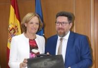 VÍDEO: Rodrigo Sánchez Haro recibe la cartera de Agricultura de manos de Carmen Ortiz