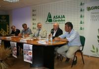 Más de 200 agricultores abordan el futuro del cultivo del almendro en Córdoba