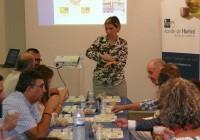Cooperativas Agro-alimentarias de Huelva hace parada en la capital dentro de su ruta de catas  de aceite de oliva