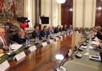 Junta, Gobierno y sector hacen frente común en la defensa de la aceituna negra ante la imposición de aranceles por EEUU