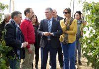 El Fresno muestra al delegado de Medio Ambiente su gestión del agua hasta llegar al agricultor
