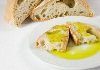 Asaja promociona el consumo de aceite de oliva en los colegios y la universidad por el Día de Andalucía