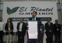 Sánchez Haro resalta el papel clave que desempeñan los semilleros en Almería y la Junta promociona la patata nueva andaluza