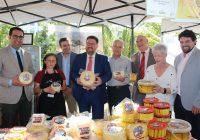 Sánchez Haro anima a aprovechar las ayudas de los 'GDR' para impulsar el sector quesero y valora los premios Porc d'Or Ibérico