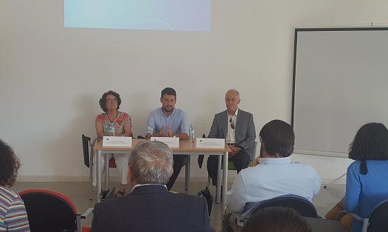 El CSIC acude a un coloquio vecinal en Sanlúcar la Mayor sobre la contaminación después de 20 años del vertido