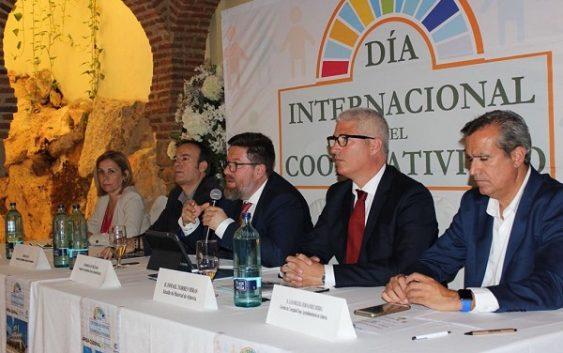 """Sánchez Haro sitúa al cooperatisvimo como responsable directo de un sector agrario """"fuerte, competitivo y sostenible"""""""