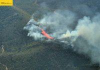 El Ministerio de Agricultura incrementa el dispositivo aéreo para luchar contra las llamas en el incendio de Nerva (Huelva)