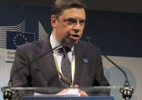 Luis Planas aboga por una posición de Estado para influir y conseguir los mejores resultados en la negociación de la PAC