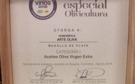 El aceite de oliva virgen extra de ARTEOLIVA envasado en Tetra Prisma®Aseptic premiado en Colombia