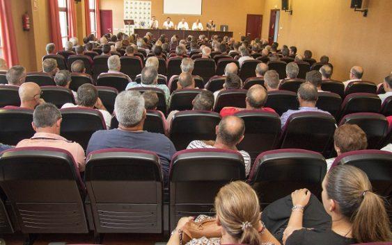 Más de 500 agricultores asistieron a la última asamblea de la Plataforma en Defensa de los Regadíos del Condado tras las concesiones