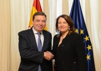 Carmen Crespo se reúne en Madrid con el ministro de Agricultura, Pesca y Alimentación