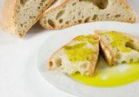 Asaja Córdoba promociona el consumo de aceite de oliva en los colegios y la universidad por el Día de Andalucía