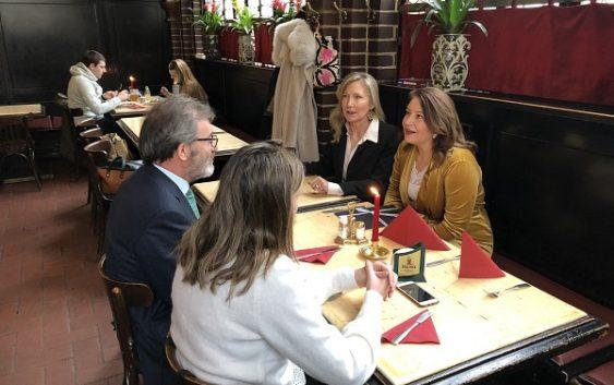 Carmen Crespo analiza con el embajador de España en Alemania el futuro de las exportaciones andaluzas al país germano