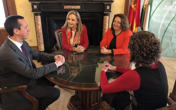 La consejera Carmen Crespo asiste al traspaso de competencias a la nueva delegada del Gobierno de la Junta en Almería
