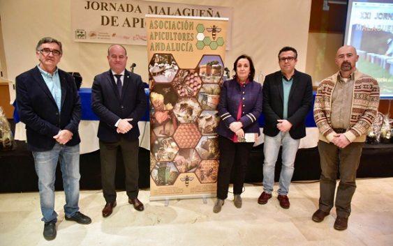 La Junta asume el compromiso de mejorar la apicultura andaluza dando voz a todos sus representantes
