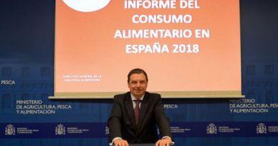 """Luis Planas: """"La alimentación dice mucho y muy bueno de España"""""""